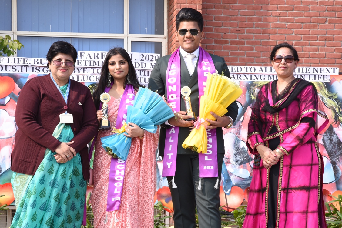 Mr. and Ms. Congeniality with Headmistress and Pre-primary Coordinator